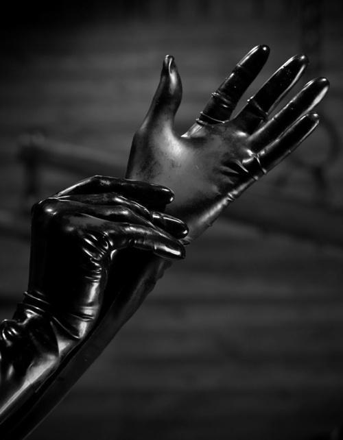 black_gloves